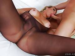 She shares devoted cocksucking with bald, muscular Christian, who deeply rims Walkiria from behind.