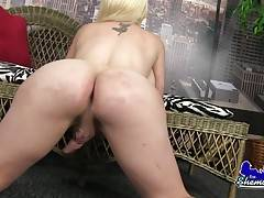 Sexy tgirl showing off her assets and shaking her ass!